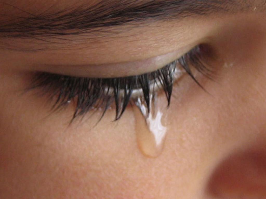 عکس گریه از چشم